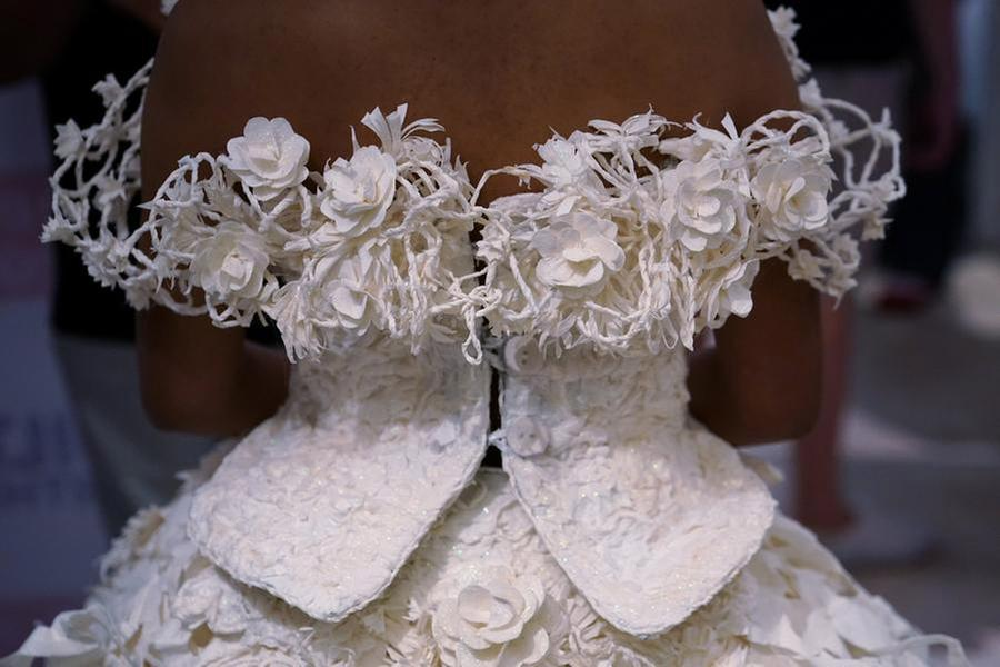 Winning toilet paper gowns offered to brides-in-need - USA ...