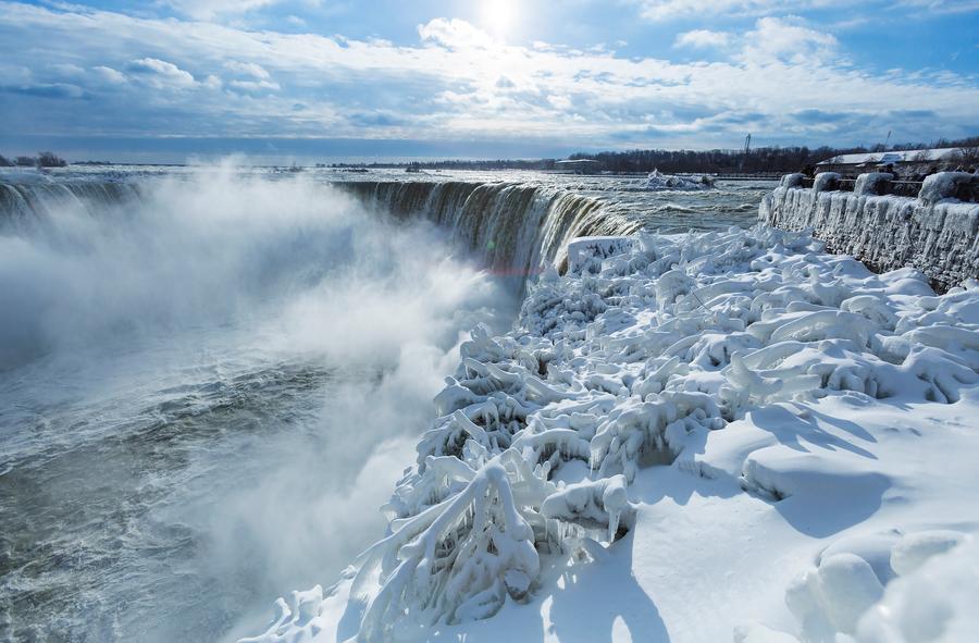 Bitter Cold Turns Niagara Falls Into Winter Wonderland