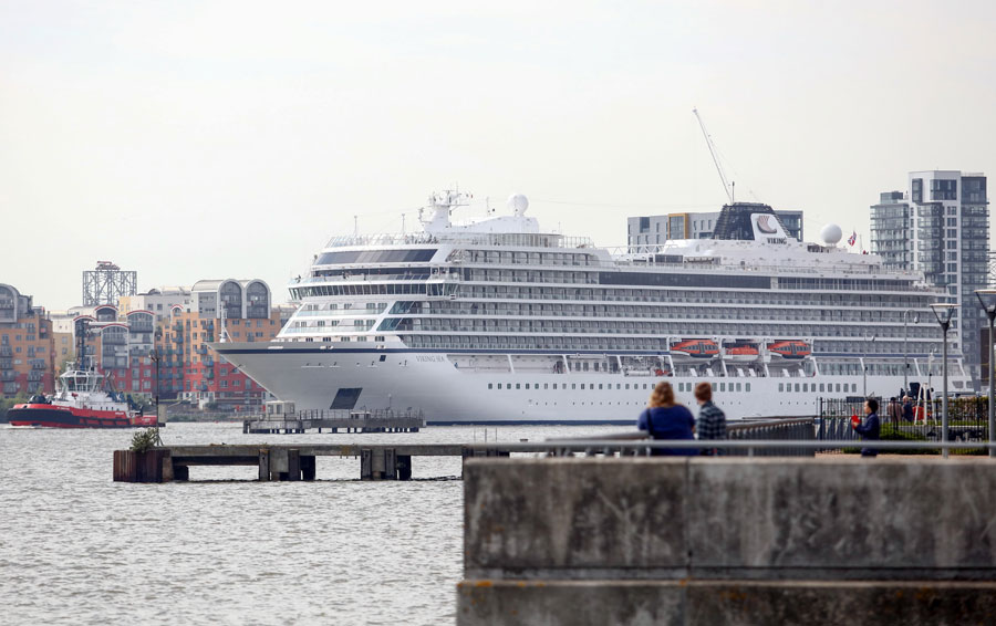 Exploring The World With Comfort USA Chinadailycomcn - Cruise ship in london