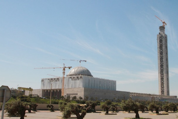china helping  construct great mosque  algiers