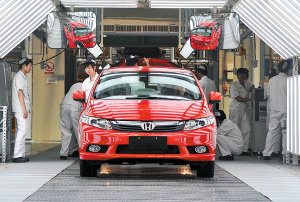 Workers Check Cars At A Dongfeng Honda Production Line In Wuhan Hubei Province Photo Provided To China Daily
