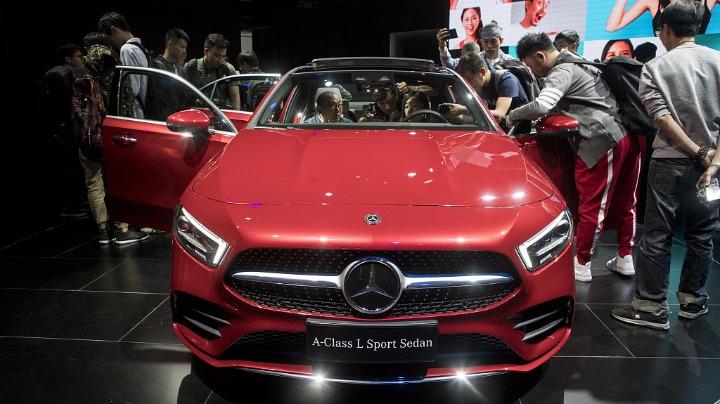 peking autoshow 2018 porsche cross turismo