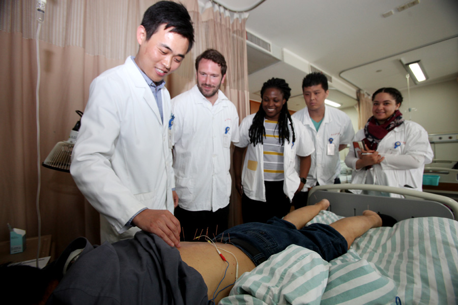Traditional Chinese medicine a popular choice for foreign students