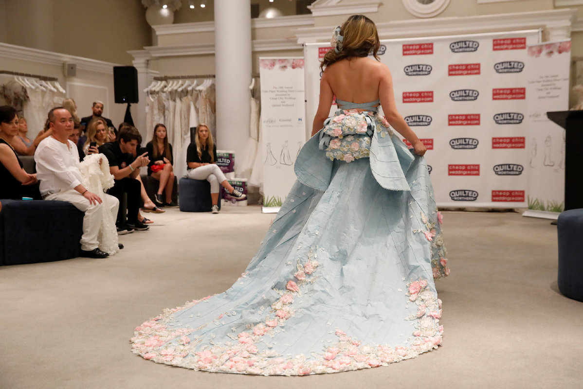 Designers Make Stunning Wedding Dress Out Of Toilet Paper