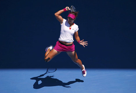 Li Na makes it into second straight Australian Open final