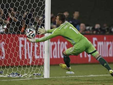 World Cup - Kerzhakov earns Russia draw after goalkeeping howler