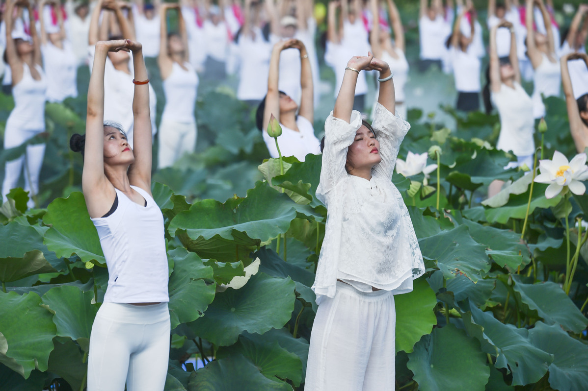 Yoga Fans Take Part In Yoga Show During Tourist Activity In Se