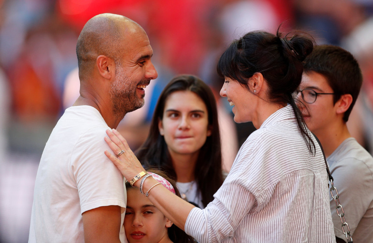 Manchester City Manager Pep Guardiola Celebrates Winning The Community Shield With His Wife Cristina Serra And Family After The Match In Wembley Stadium