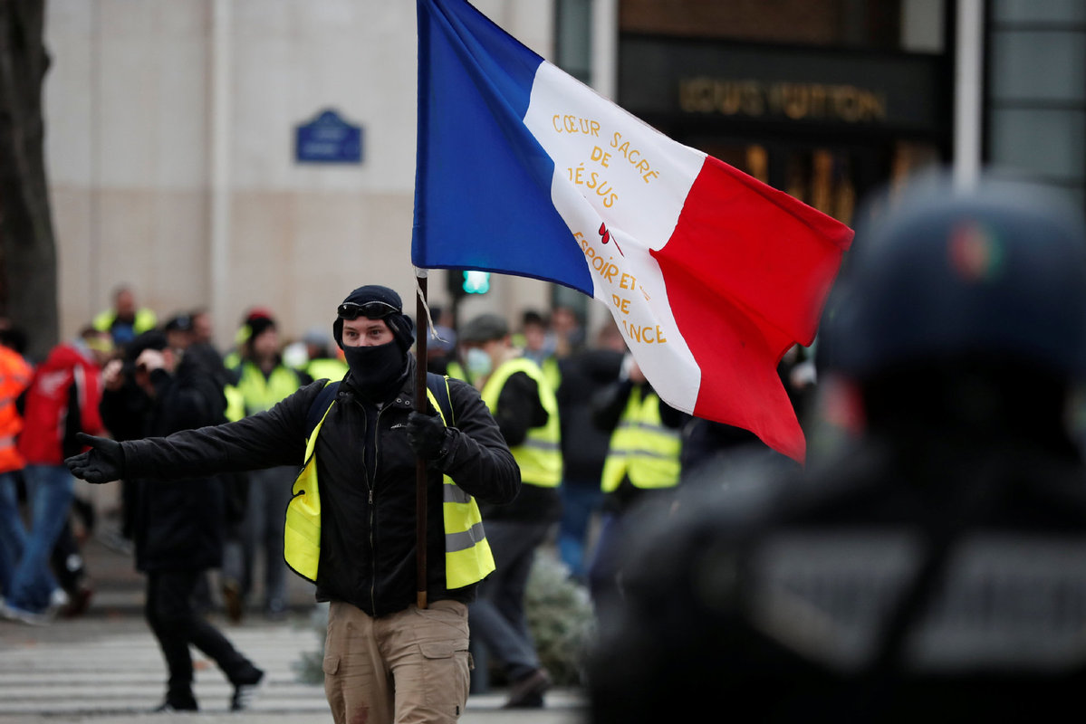 Two thirds back France's 'yellow vest' protests