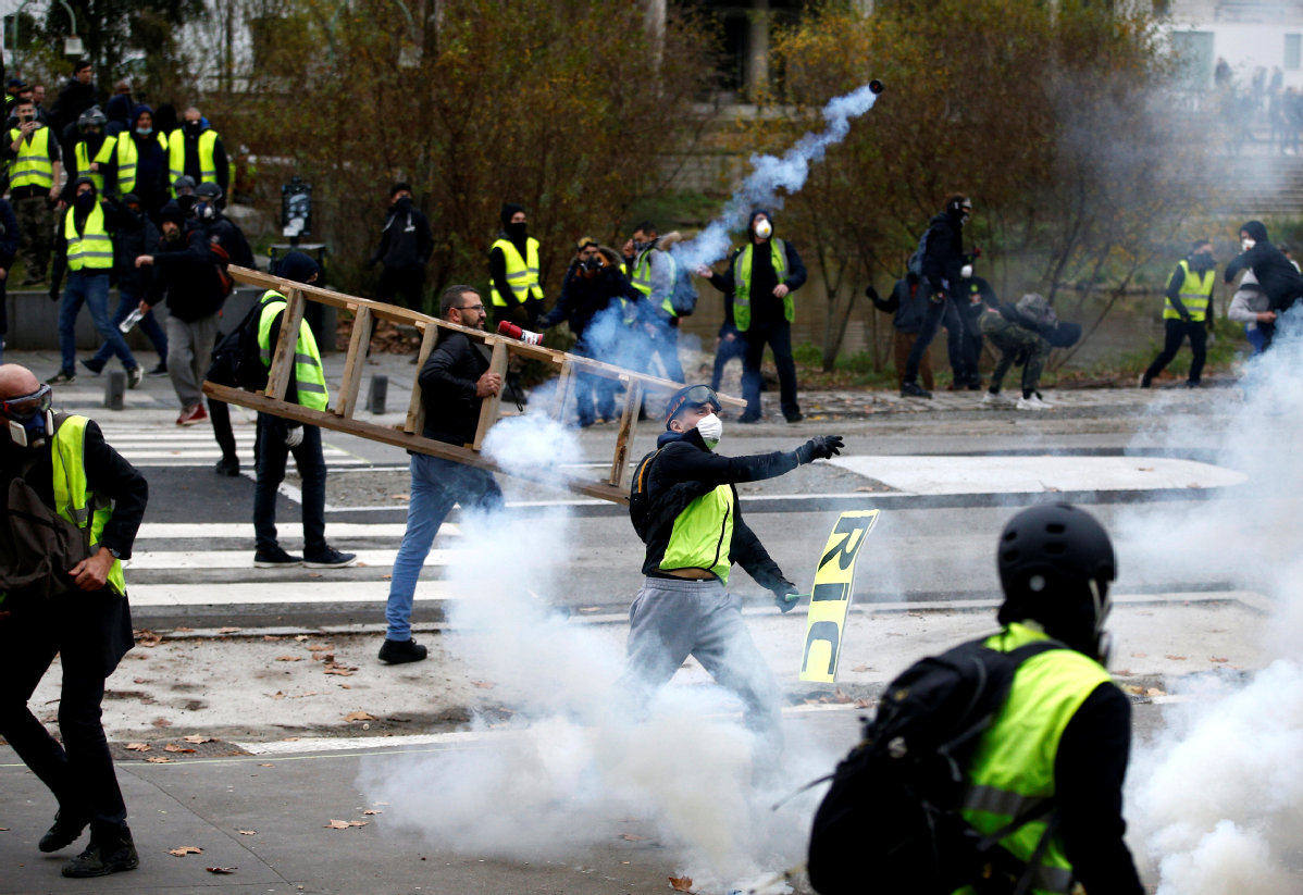 Respite in Paris; fewer protesters take to the streets