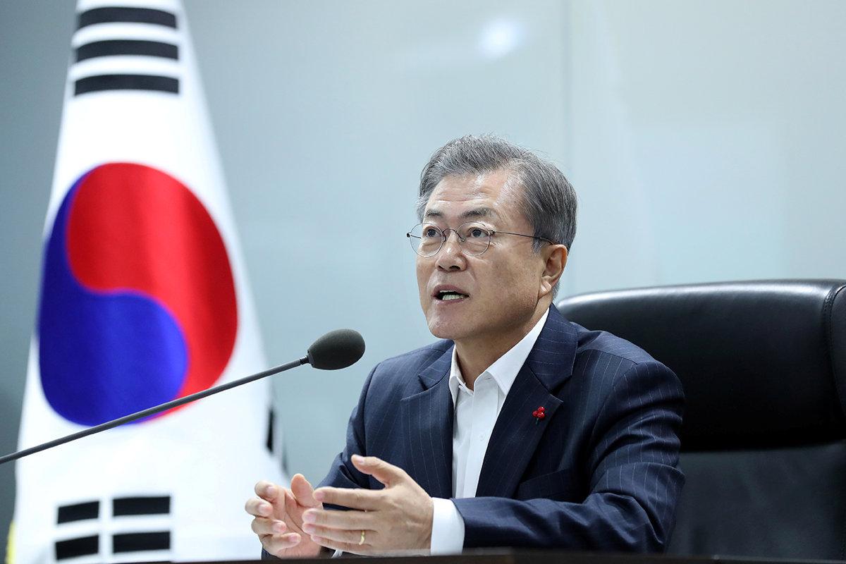 S  Korean president replaces chief of staff, senior