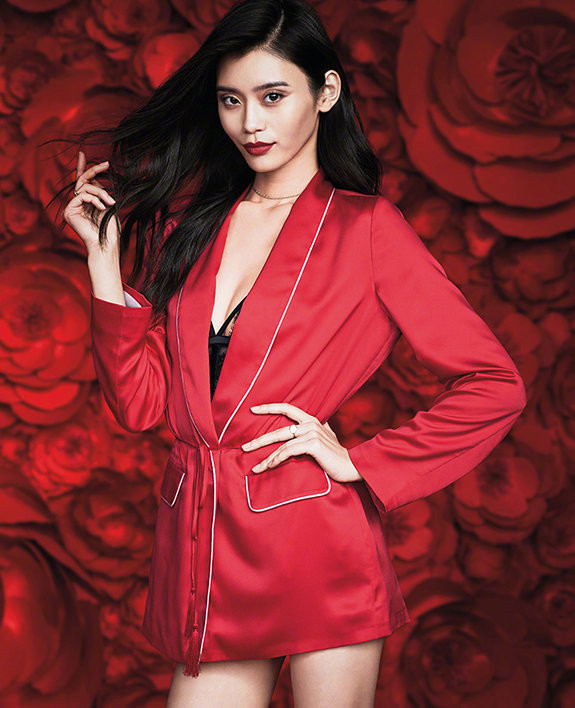 3d340c5ffa85 Victoria's Secret model Xi Mengyao reveals the new fashion look to welcome  Chinese Lunar New Year. [Photo/IC]