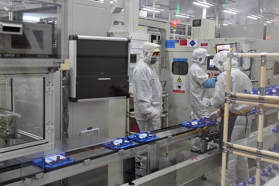 China battery giant CATL achieves 304Wh/kg in new battery cells