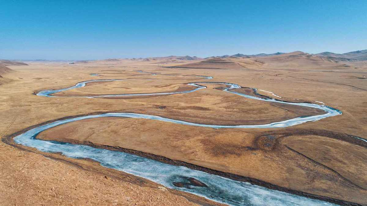 Frozen river sweeps through Inner Mongolia - Chinadaily com cn
