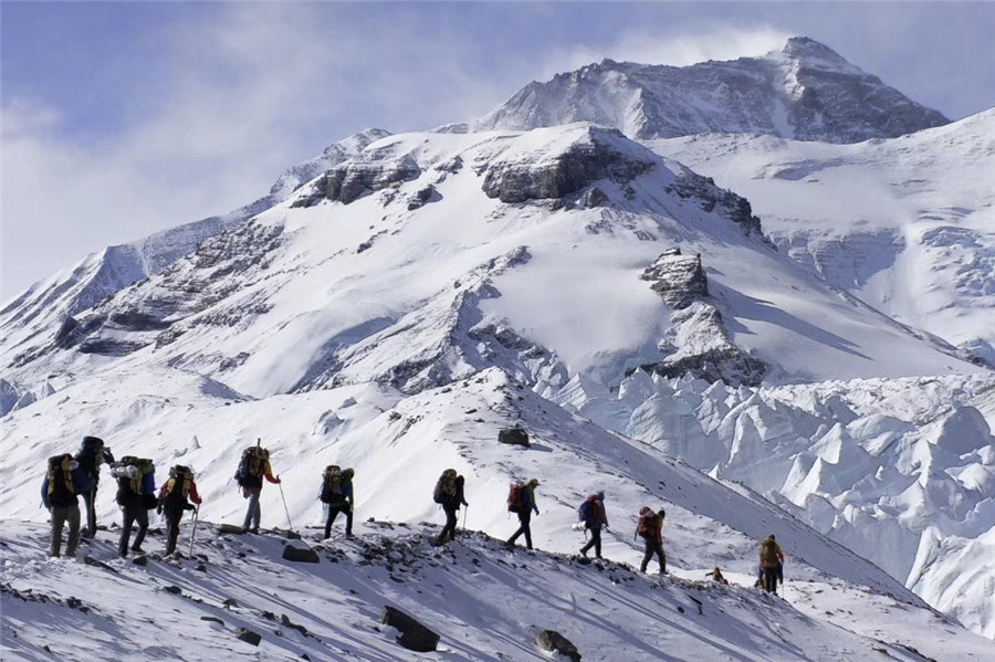 Tibet ready to welcome mountaineers' spring rush - Chinadaily.com.cn