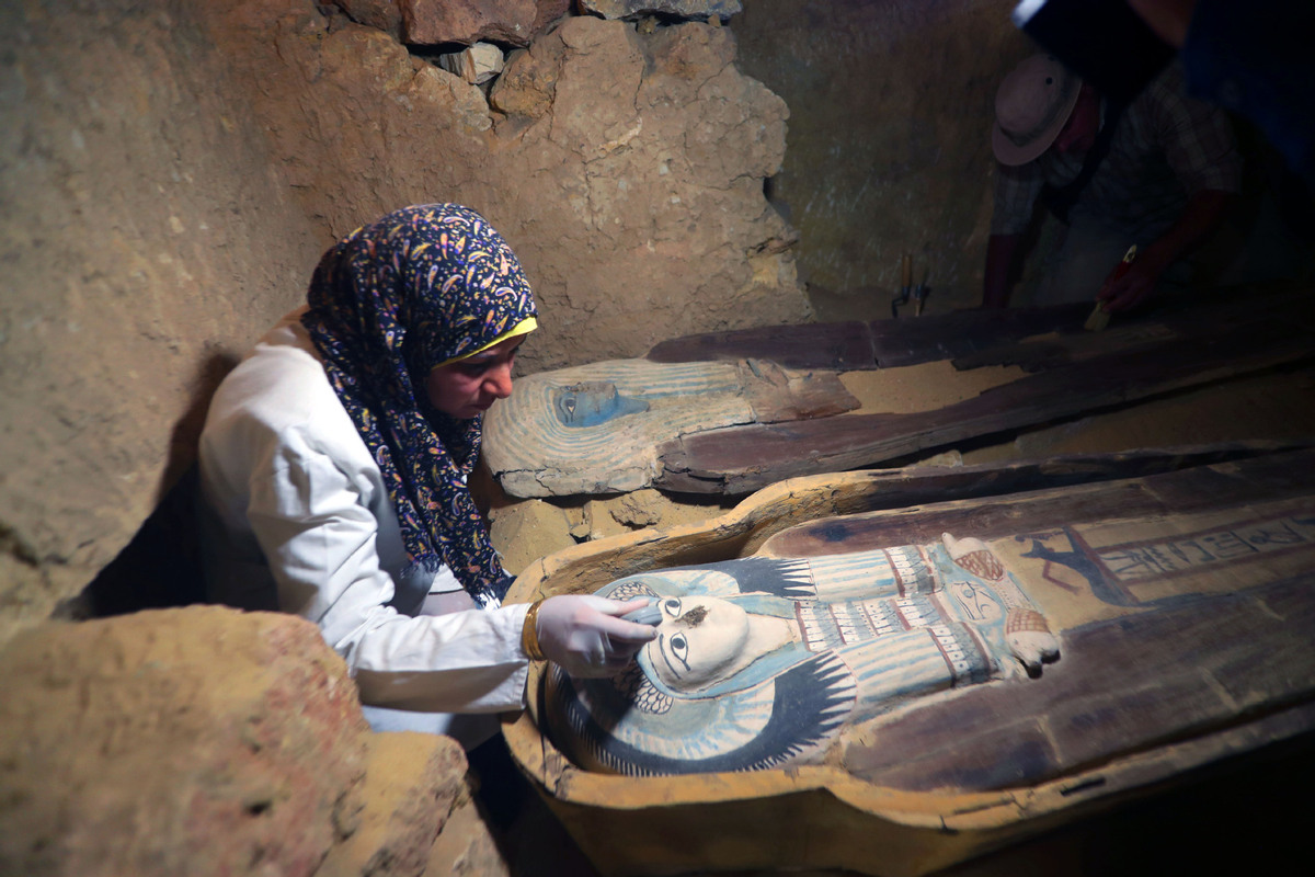 Egypt uncovers Pharaonic tombs near Giza Pyramids - World