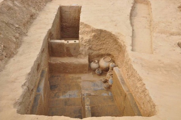 160 ancient tombs discovered in Central China - Chinadaily.com.cn