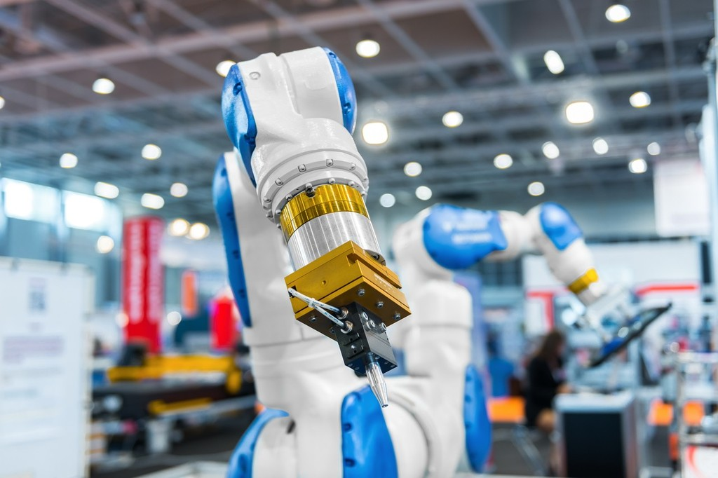 Chinese researchers create 3D sewing robotic arm - Chinadaily com cn