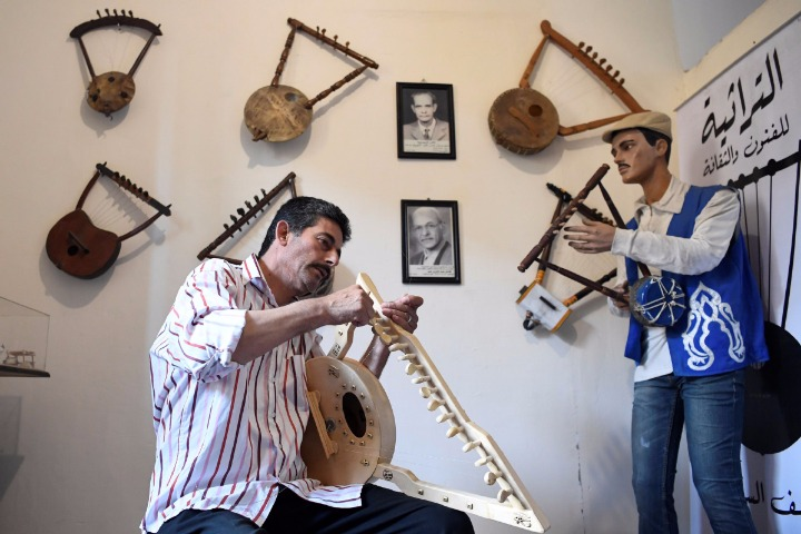 Ancient Pharaonic harp strums along to new tune - World