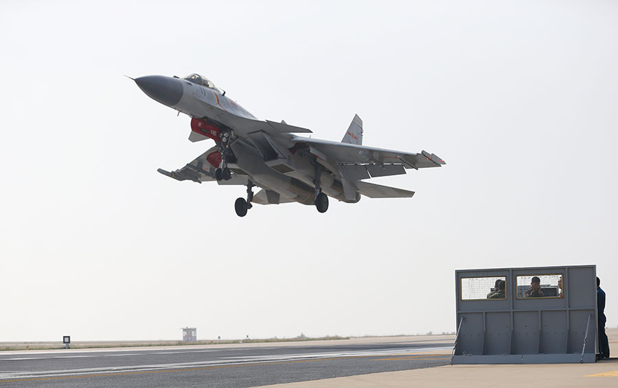 J-15s have become navy's 'iron fist' - Chinadaily.com.cn