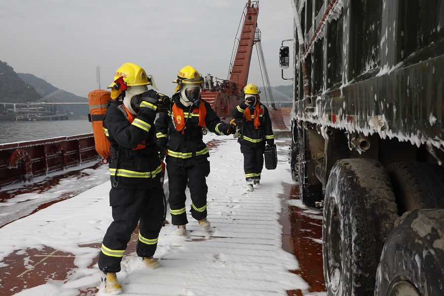 High-tech rescue exercise held on Yangtze - Chinadaily.com.cn