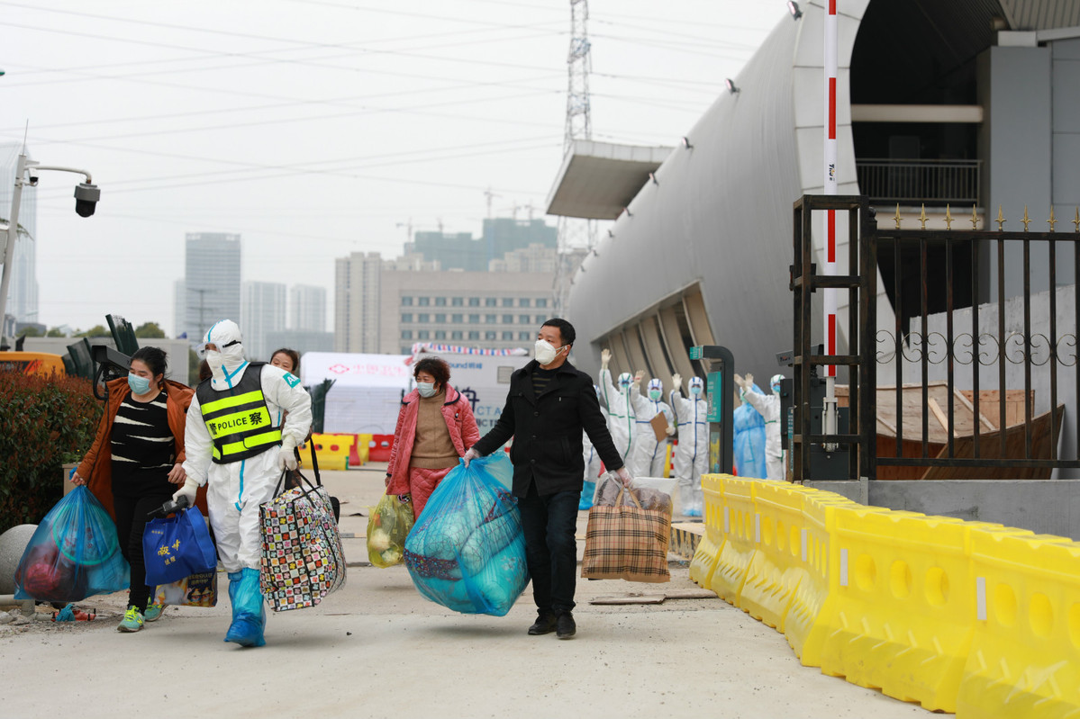 China's Hubei to close temporary hospitals as situation improves