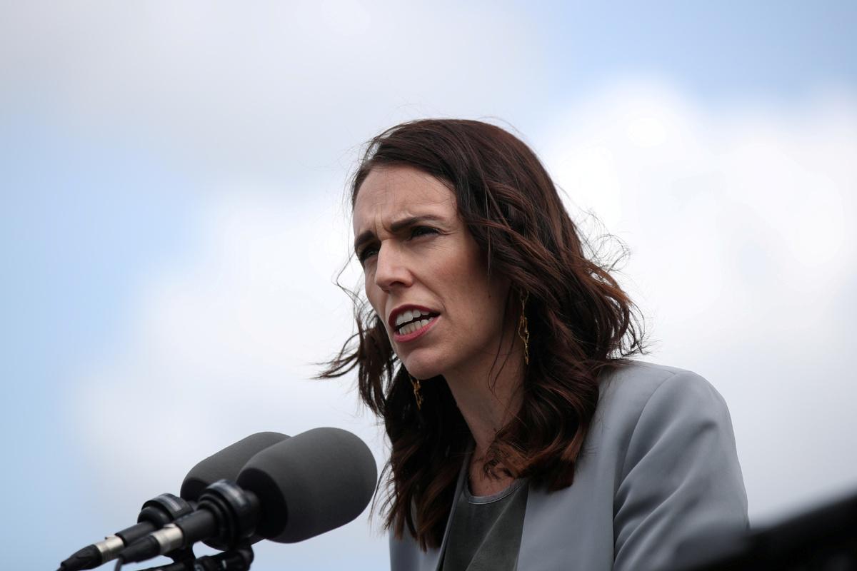 Coronavirus: Jacinda Ardern says New Zealand will shut down in two days