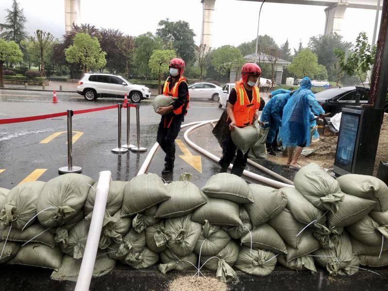 City Rescues More than 1,000 People from Flood in Hubei