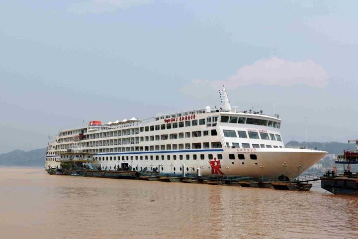 Yangtze cruises resume, but with fewer passengers