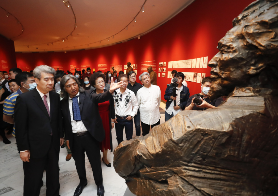 Sculpture Exhibition Connects China and World