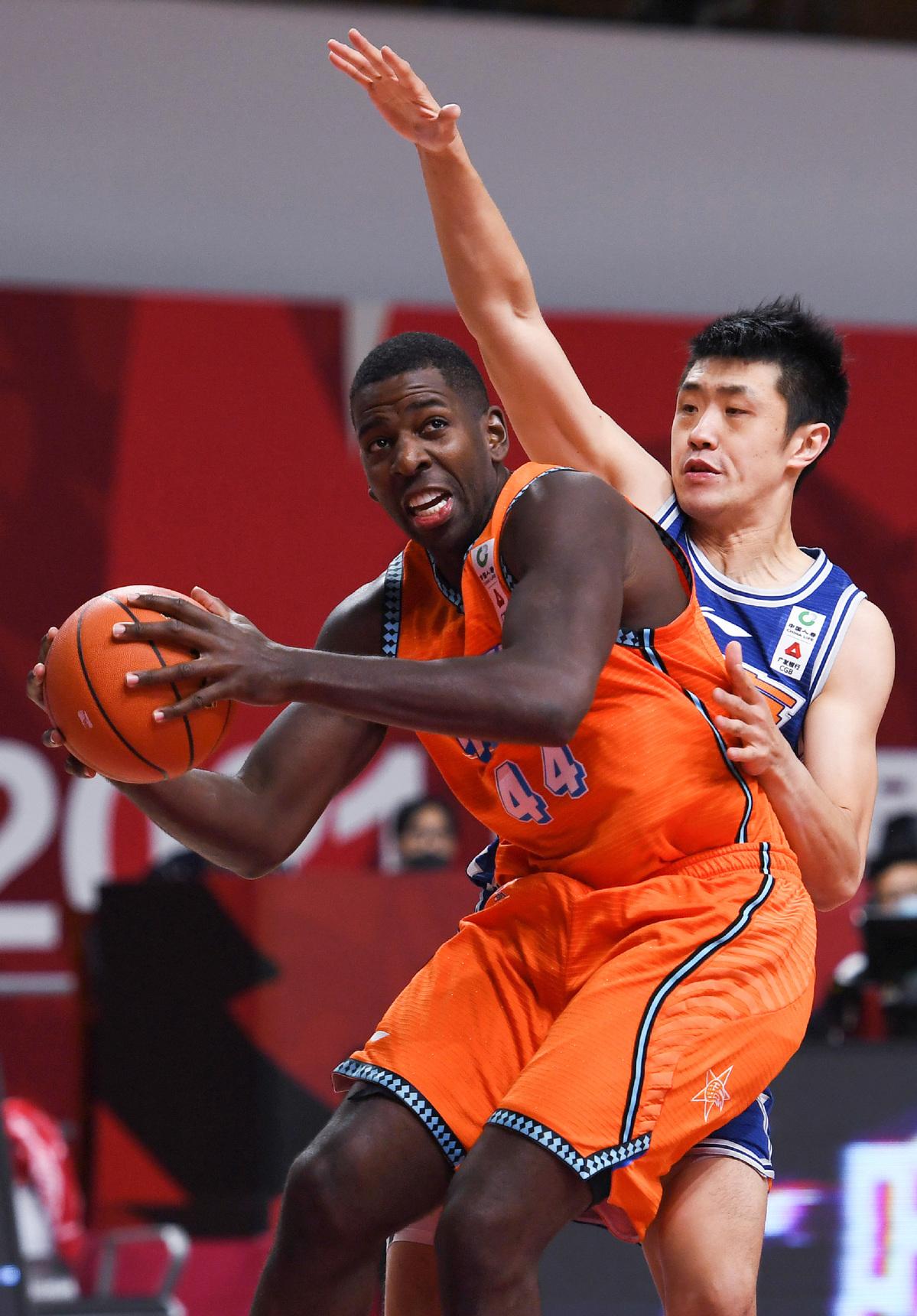 福建战队结束了上海CBA赛的六连胜