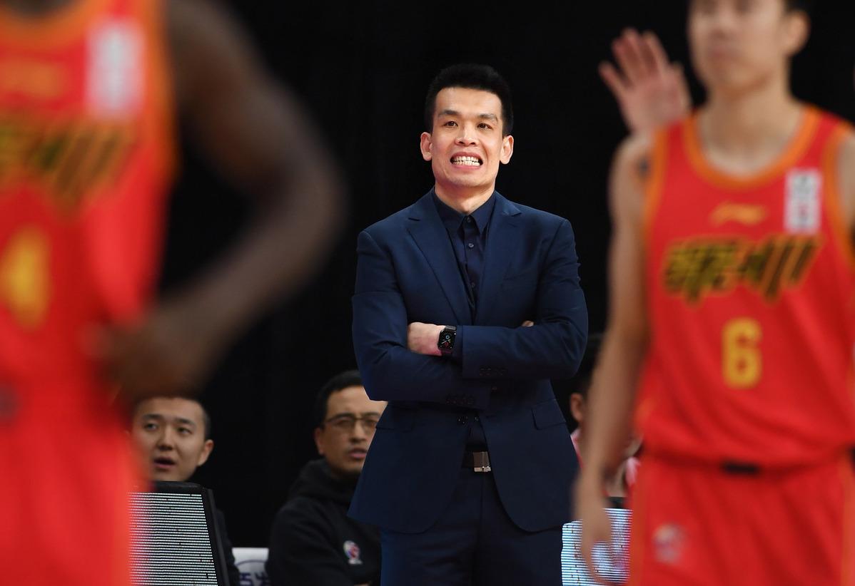 因中断CBA比赛 北京鸭队主教练被禁止四场比赛