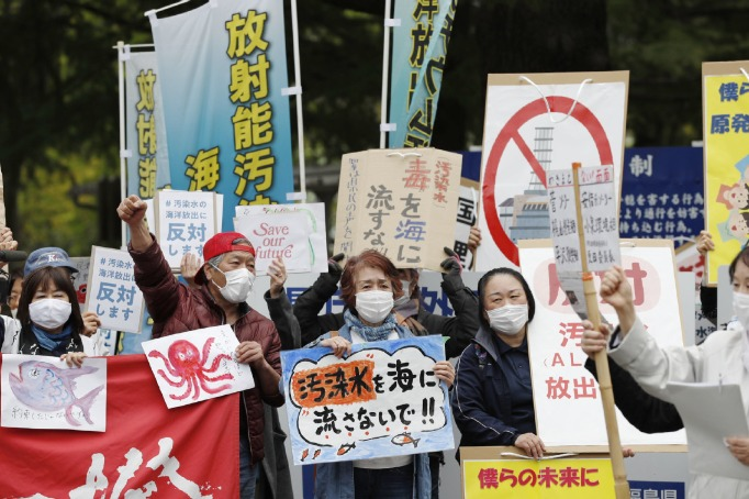 Tokyo must stop playing with nuclear waste lest it burns itself