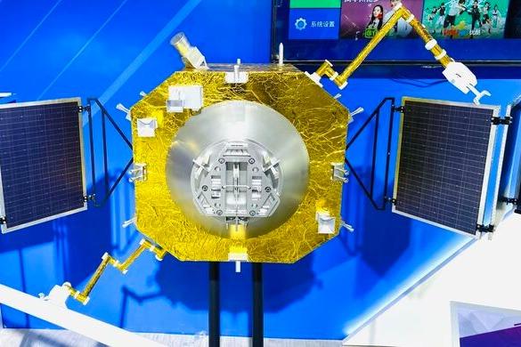 中国太空加油车亮相2021航展