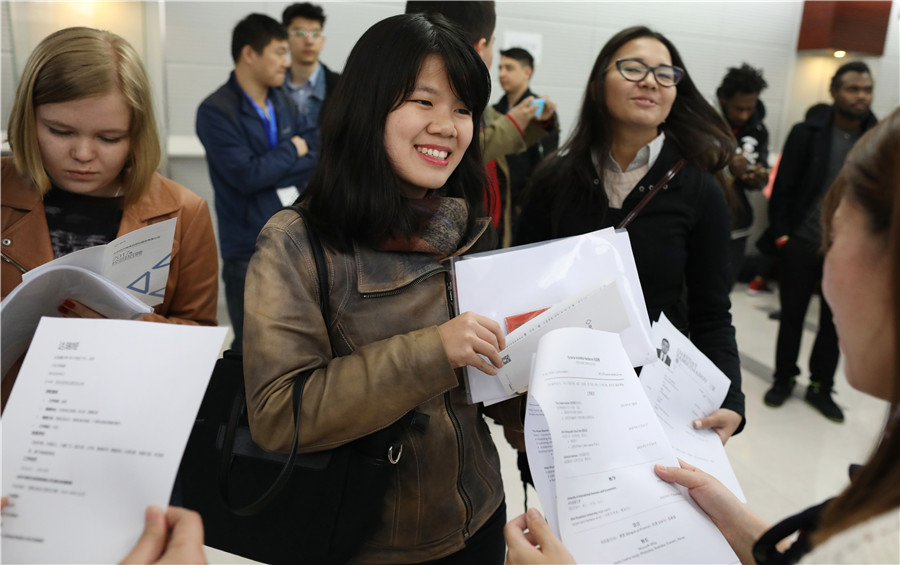 Chinese Teacher Helps Indonesian Realize His Dream