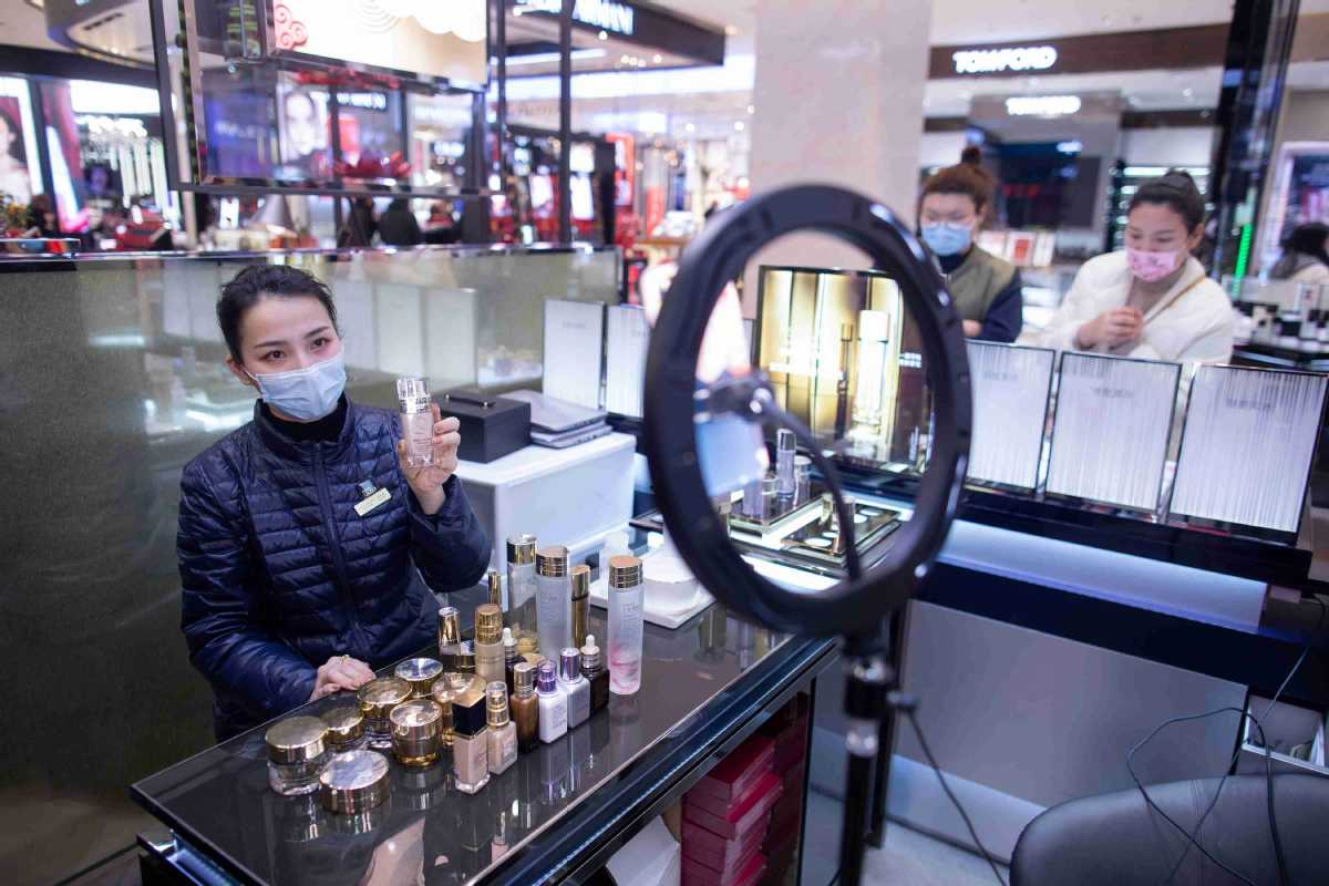 Masks Can T Hide Eye Makeup The New Fashion Normal Of Women