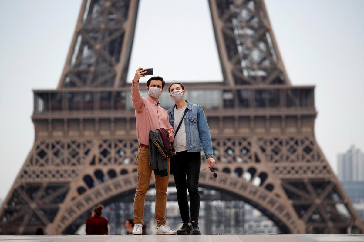 Eiffel Tower Reopens Ending 104 Day Coronavirus Shutdown World Chinadaily Com Cn