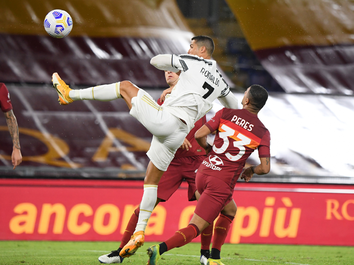 10 Man Juve Shares Spoils With Roma In Serie A Chinadaily Com Cn